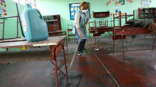 Hay 748 colegios estatales de Lima con problemas de infraestructura
