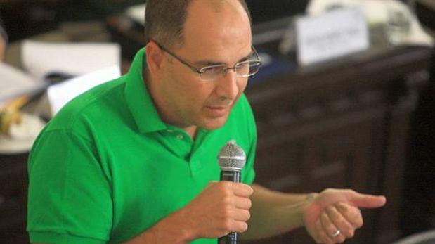 """Secada exhortó a Castañeda a hablar: """"Tenemos una campaña con un fantasma"""""""