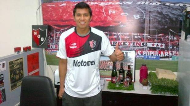 """Rinaldo Cruzado posó con su nueva camiseta: """"Newell's era la mejor opción"""""""