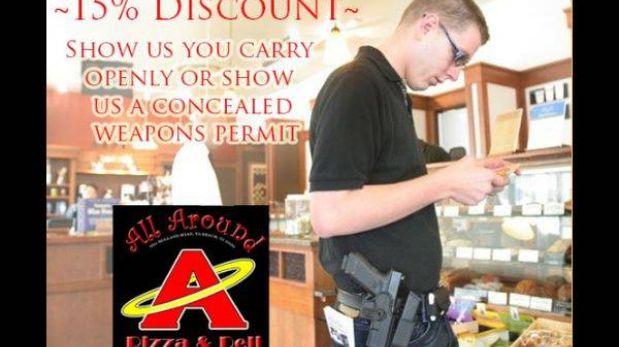 La pizzería estadounidense que da descuentos a los que tienen un arma