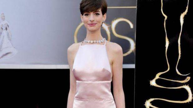 El provocador y polémico vestido de Anne Hathaway en los Óscar 2013