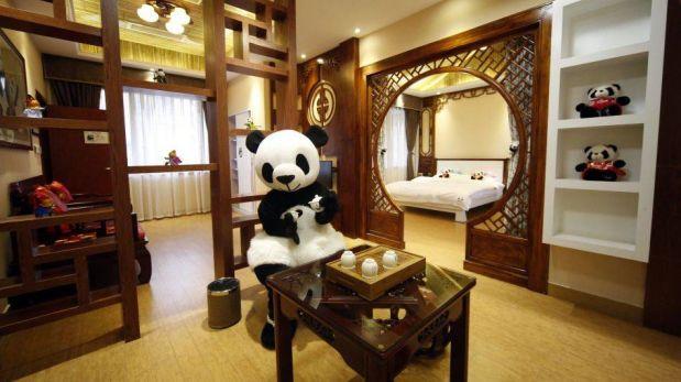 FOTOS: un hotel temático dedicado a los osos panda abre sus puertas en China