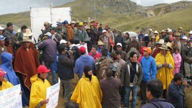 La Libertad: Comuneros desbloquearon acceso a campamento minero de Barrick