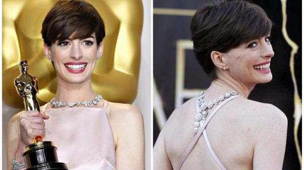 Anne Hathaway pidió disculpas por el vestido que lució en los Óscar