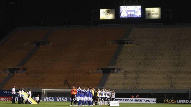 FOTOS: Paolo Guerrero y Pato brillaron en la victoria de Corinthians sobre Millonarios a estadio vacío