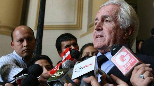 """""""Villarán no puede ser revocada con menos votos de los que obtuvo en el 2010"""", según Valle Riestra"""
