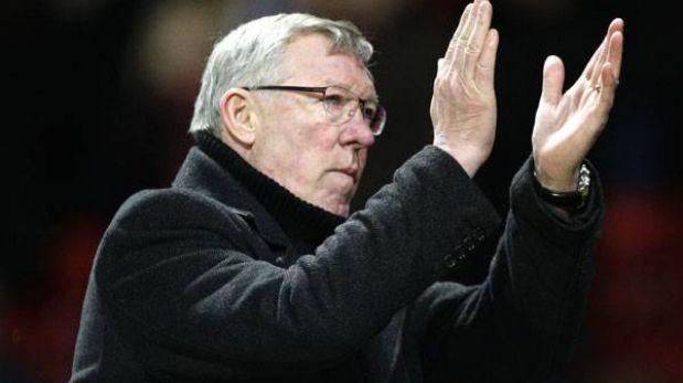 """Alex Ferguson ve a sus 71 años """"muy lejos"""" su salida del Manchester United"""