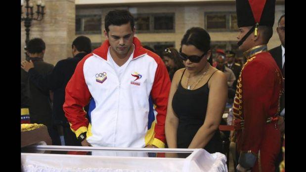 FOTOS: las muestras de dolor de los presidentes sudamericanos frente al ataúd de Hugo Chávez