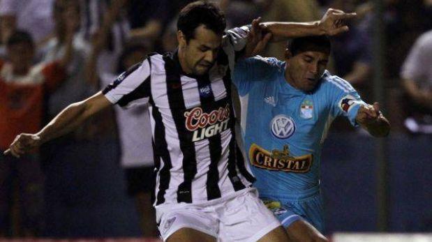 Libertad llegó a Lima para enfrentar a Sporting Cristal el martes