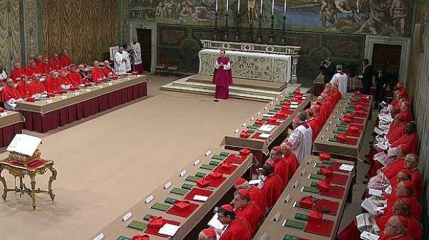 Comenzó el cónclave a puerta cerrada para elegir un nuevo Papa