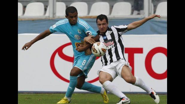 Cristal empató 1-1 y evitó una caída ante el líder Libertad de Paraguay