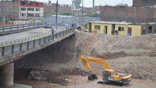 Instalación de puente provisional sobre río Rímac se postergó por fuerte caudal