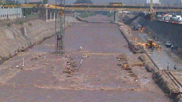 Caudal de río Rímac cubrió túnel entre puente Trujillo y Rayitos de Sol