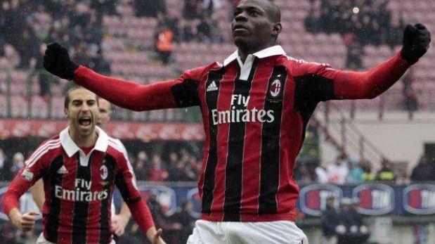 Balotelli anotó doblete y le dio el triunfo 2-0 al AC Milan sobre Palermo