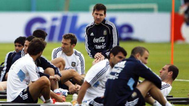 Argentina con Messi y sin Agüero se alista para recibir a Venezuela