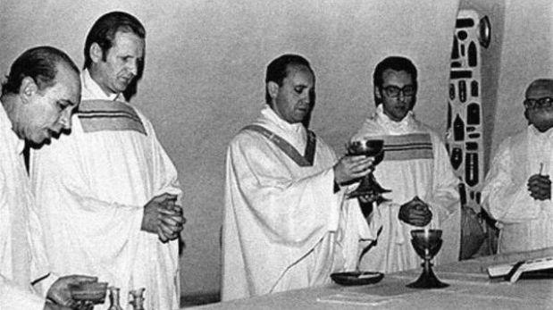 Sacerdote jesuita negó haber sido entregado por el papa Francisco