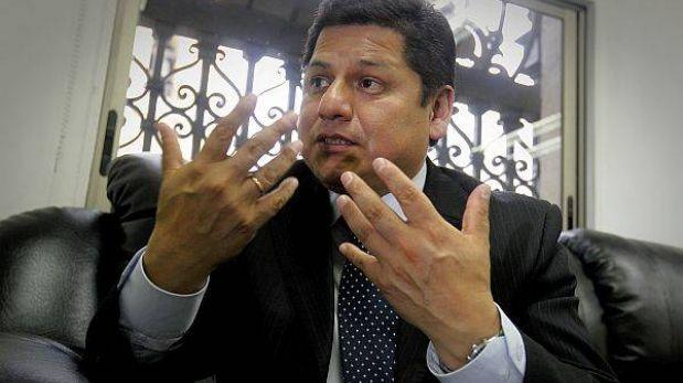 """Defensor del Pueblo: """"Se debe elevar la valla de firmas para revocación"""""""