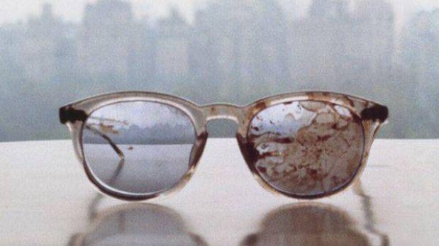 Yoko Ono mostró lentes ensangrentados de John Lennon en llamado contra la violencia