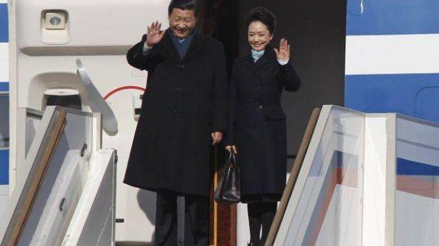 La glamurosa primera dama china Peng Liyuan triunfa en Internet