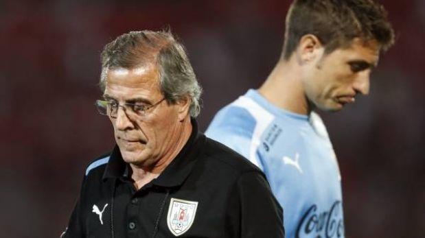"""DT de Uruguay lamenta derrota 2-0 ante Chile: """"Nunca nos había pasado"""""""