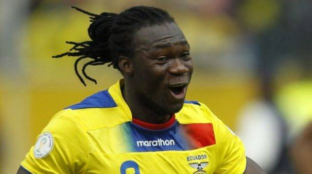 Felipe Caicedo, el goleador ecuatoriano que no estaría ante Perú por lesión