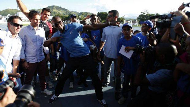 FOTOS: Usain Bolt compitió en Río de Janeiro, bailó funk, jugó fútbolnet y deslumbró