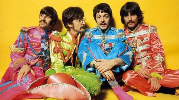 Hombre pagó más de US$290 mil por disco autografiado de Los Beatles