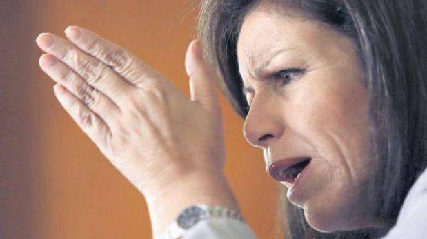 """Lourdes Flores: """"Villarán está de acuerdo con que vacados no sean gerentes"""""""
