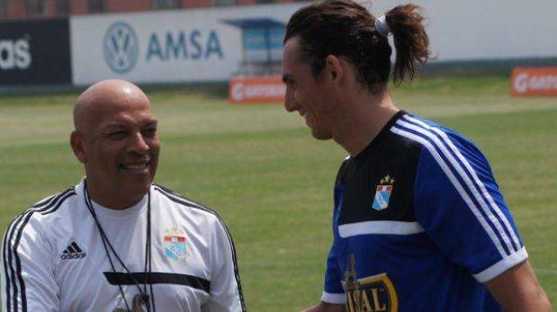 José Carlos Fernández entrenó en Cristal y Mosquera le dio el visto bueno