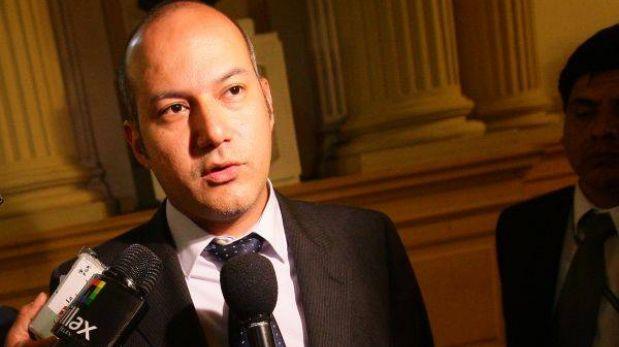 Ex titular de Comisión de Gracias Presidenciales denunció al presidente de la megacomisión