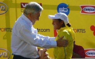 Inés Melchor logró podio en Chile y fue premiada por presidente Piñera