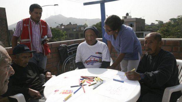 FOTOS: anciano vive su primer día de libertad luego de 37 años