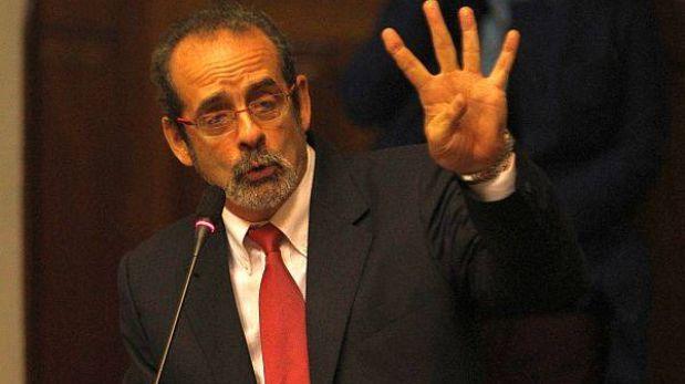 """Javier Diez Canseco """"se encuentra estable"""", aclaró su esposa"""