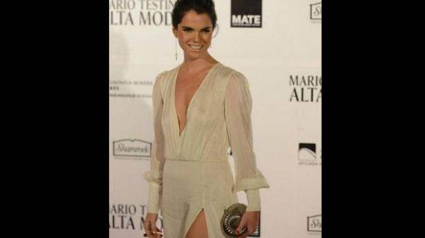 Alessandra Denegri lució sexy vestido en exposición de Mario Testino