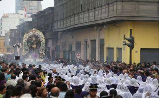 Procesión del Señor de los Milagros: vehículos y buses del Metropolitano son desviados