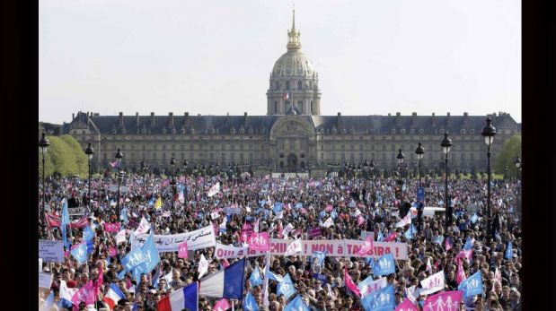 FOTOS: decenas de miles de franceses protestaron contra las bodas gay y pidieron un referéndum