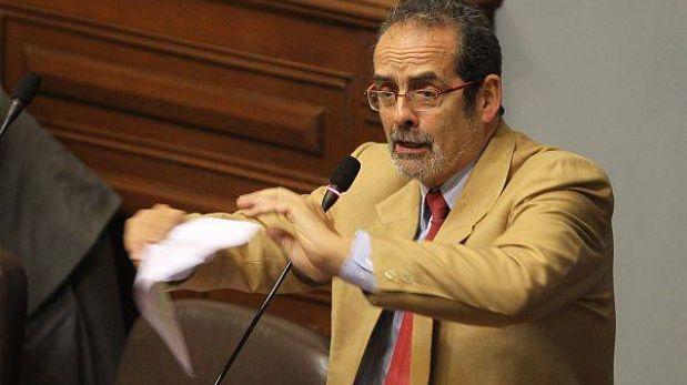 Congreso debe cumplir fallo a favor de Diez Canseco, reitera su abogado