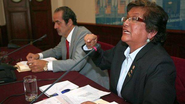 """""""Más tarde que temprano el Congreso deberá acatar fallo a favor de Diez Canseco"""""""