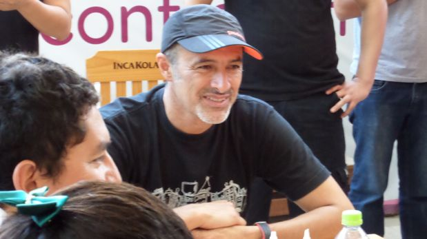 FOTOS: Carlos Alcántara congregó a cientos de personas en firma de autógrafos en Piura