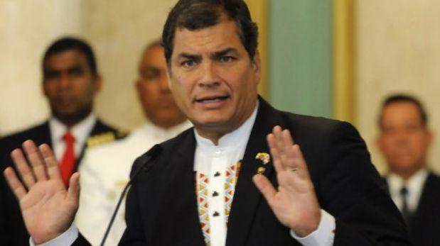 """FORO: Ecuador no retirará a su embajador por considerarlo """"una víctima"""". ¿Qué opinas?"""