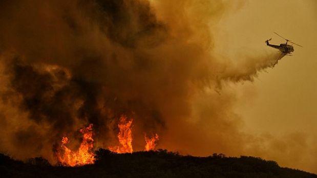 EE.UU.: incendio forestal en California amenaza con alcanzar a 4 mil casas