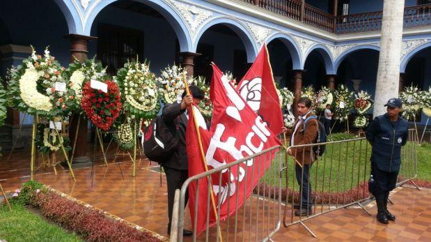 FOTOS: políticos y sociedad civil rinden homenaje a Javier Diez Canseco