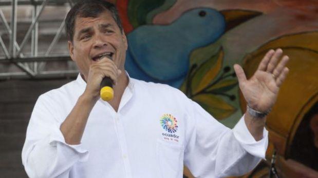 """Rafael Correa consideró """"absolutamente superada"""" crisis diplomática con Perú"""