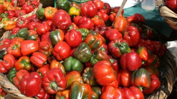 Pimientos y tomates reducirían riesgo de sufrir el mal de Parkinson