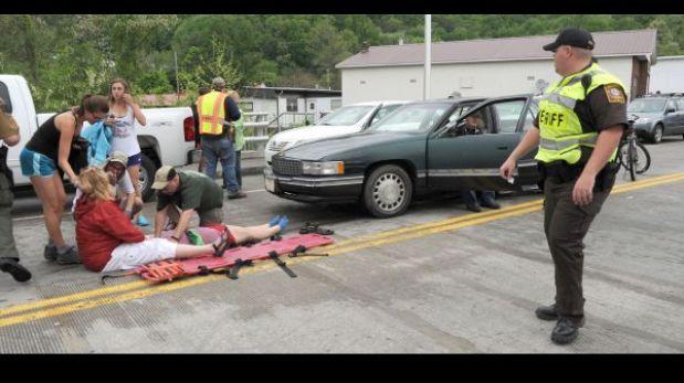 EE.UU.:Vehículo embiste desfile en Virginia y deja al menos 60 heridos