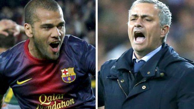 """Alves sobre el adiós de Mourinho: """"Pierde más la prensa que nosotros"""""""