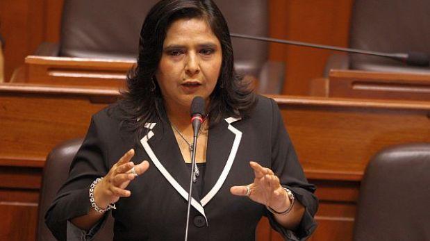 Ministra Ana Jara irá al Congreso por proyecto de alternancia de género