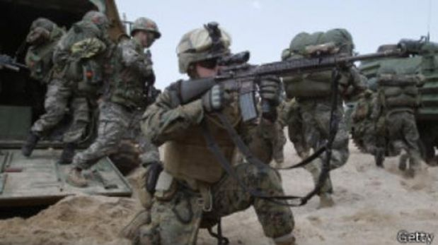 Japón: político se disculpa por sugerencia sexual a soldados estadounidenses