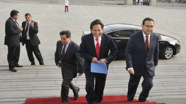 Alejandro Toledo se retiró anoche del país, confirmó Perú Posible