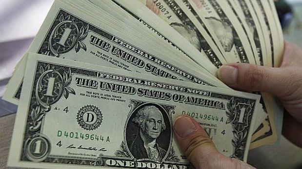 Dólar vuelve a situarse en S/.2,80 y la BVL abre la sesión a la baja